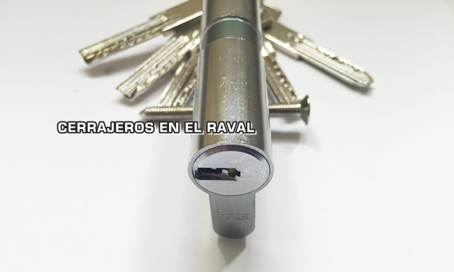 cerrajeros24helraval.es